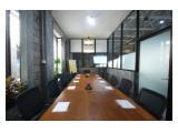Kantor kapasitas 12 orang