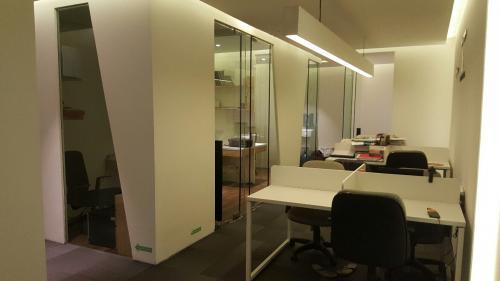 Sewa office space graha mampang kantor graha mampang for Small meeting room jakarta selatan
