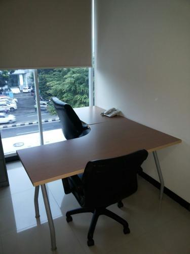 Disewakan Ruang Kantor Office Space Kecil Di Supomo