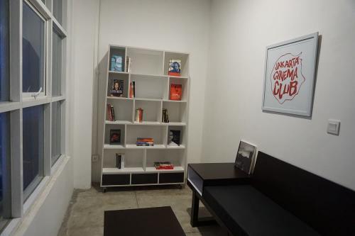 Ruang Kantor Shared Office Disewakan Di Kenobi Coworking
