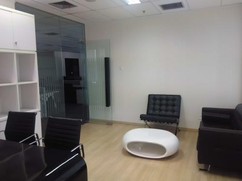 Sewa office space di the east mega kuningan 543 60 m2 for Small meeting room jakarta selatan